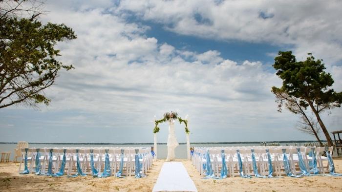 04beach-wedding-ocean-club