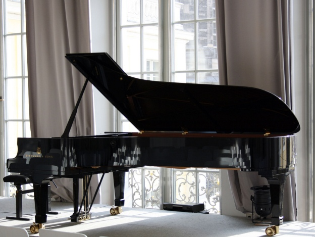Steinway-Concert-Grand-Piano