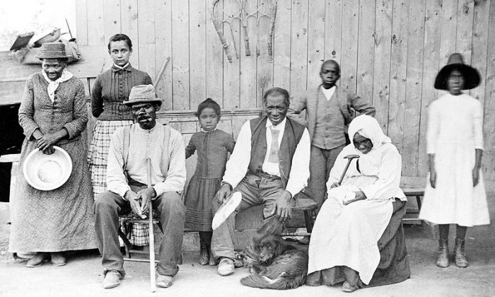 harriet_tubmanandfamily1885