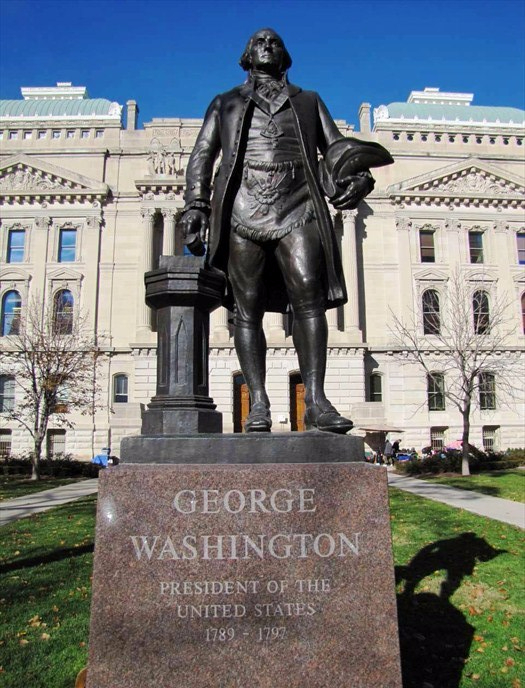 george_washington_statue