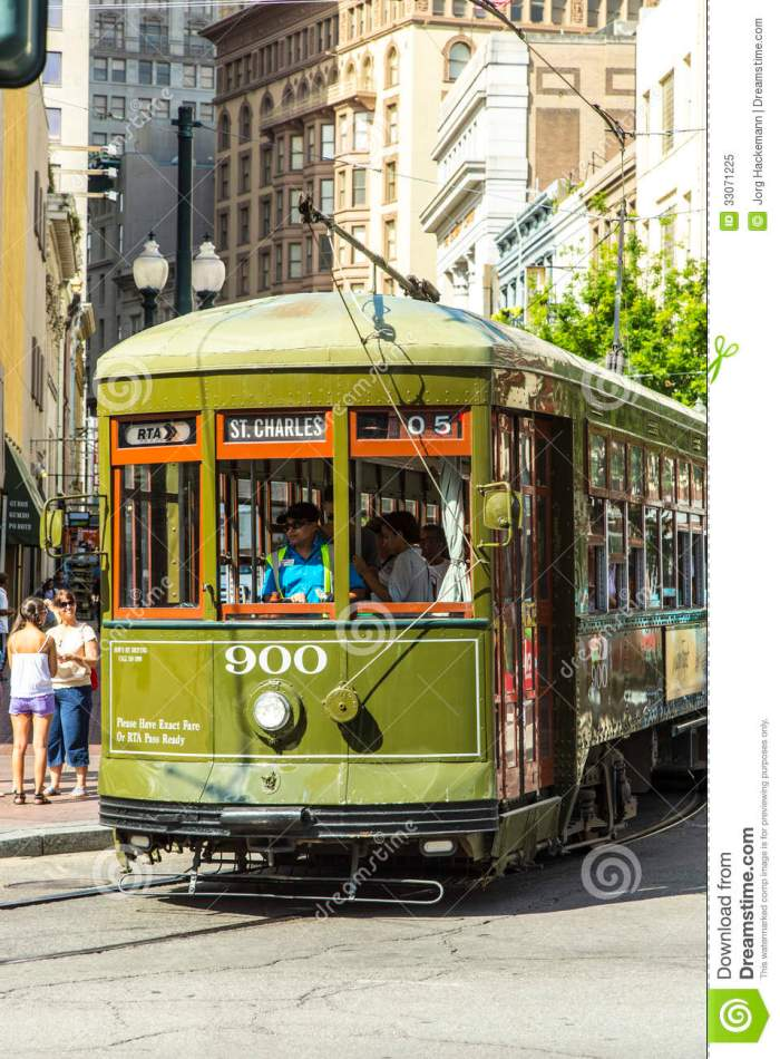 green-trolley-streetcar-rail-new-orleans-usa-july-new-orleans-line-july-newly-revamped-hurricane-katrina-new-33071225